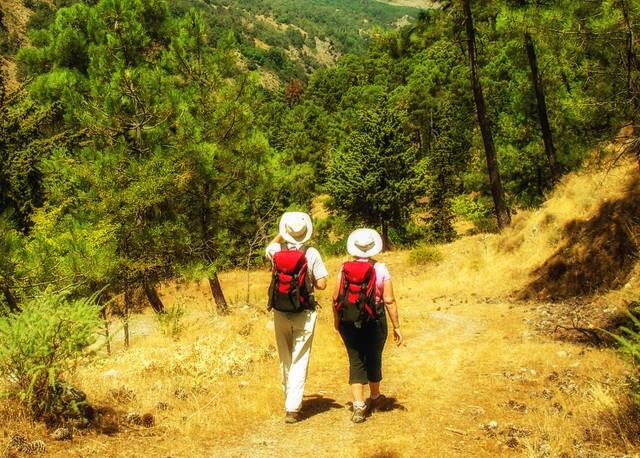 paleros-travel-activities-walking-3