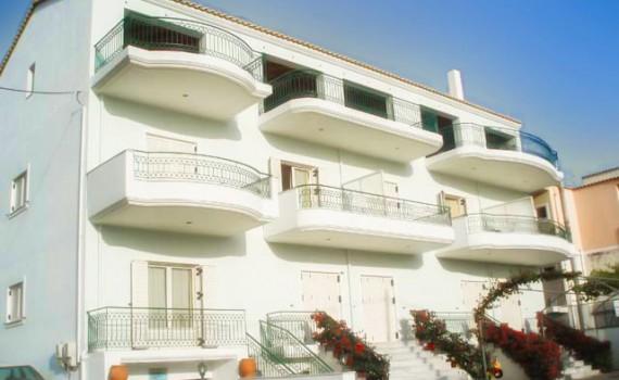Paleros Travel - Accomodation - Apartments - Paleros Plaza