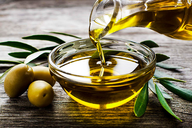 Paleros Travel - Traditional Product: Olive oil