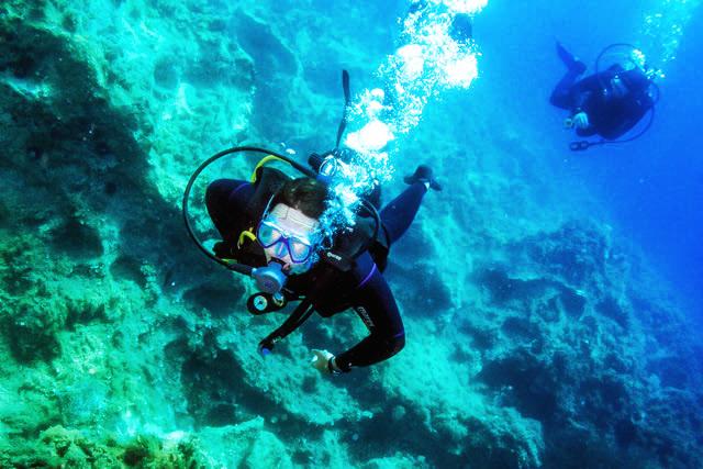 Paleros Travel - Activities - Scuba diving
